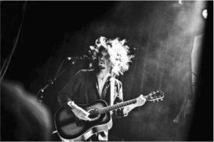 recensione di doom folk, il nuovo disco di Conny Hocs, live sabato 23 febbraio al circolo gagarin di Busto Arsizio